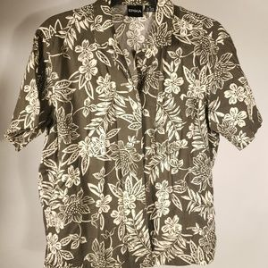Hawaiian. Vintage. Short sleeve.  Button down.